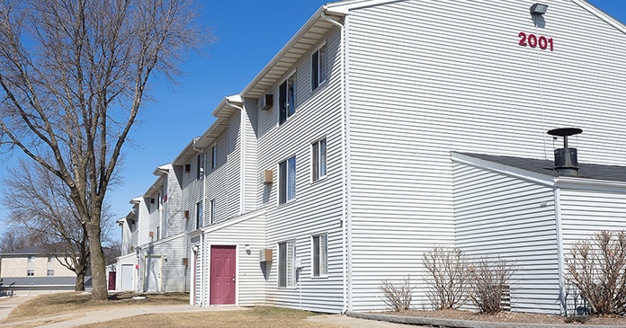 JLL closes $11.25 million sale, $14.4 million financing of Minnesota apartments